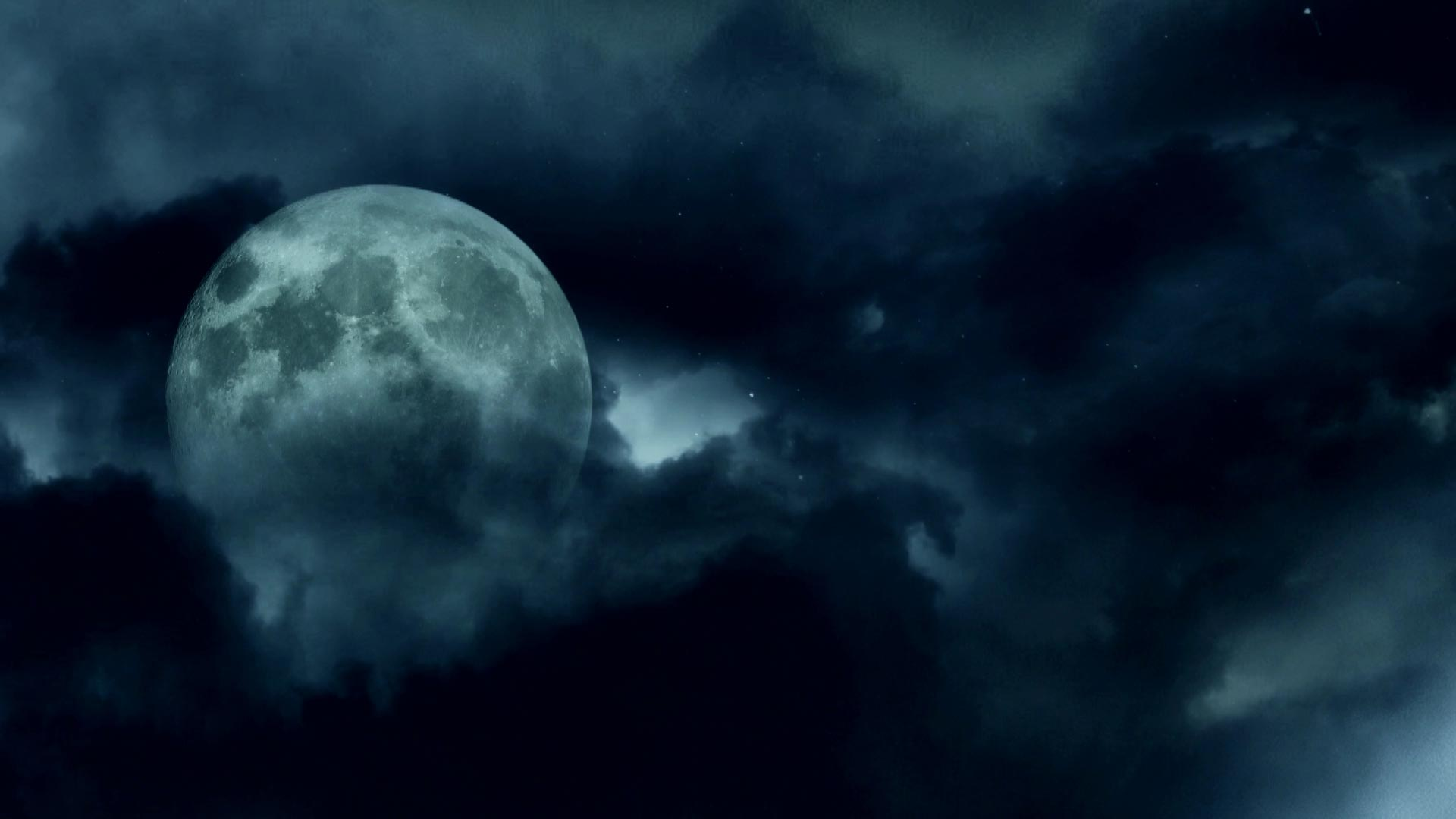 Night-Sky-Panorama-Dark-Clouds-And-The-Moon10-56-33